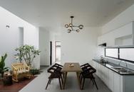 Sửa ngôi nhà 50 năm tuổi thành đẹp sang trọng nhưng vẫn giữ được nét cổ kính ở Bình Thuận
