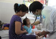 Vừa lo dịch sốt xuất huyết, lại lo bệnh tay chân miệng tăng cao