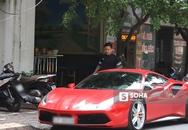 Tuấn Hưng phóng siêu xe Ferrari 15 tỷ gây chú ý trên phố