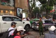 Va chạm liên hoàn trên phố Bà Triệu: 3 người bị thương trong đó có 1 nạn nhân mặc đồng phục học sinh