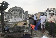 Đi chăn vịt, hoảng hồn phát hiện thi thể đang phân hủy ở nghĩa địa