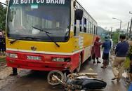 Đắk Lắk: Va chạm với xe bus, bố tử vong tại chỗ, con bị thương
