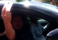 Xe chạy quá tốc độ, tướng về hưu lăng mạ cảnh sát giao thông