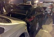 Xe chở xăng đâm dồn liên tiếp 3 ôtô trên cầu Thanh Trì
