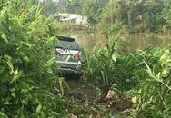 Xe hơi đụng 3 xe máy, 1 người chết, 5 bị thương