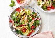 Đổi món đầu tuần với salad gà chua ngọt kiểu Thái