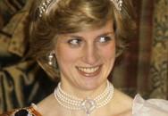 """Gia đình Kate bị chỉ trích dữ dội, dư luận đòi """"tẩy chay"""" vì bán bộ váy đẫm máu cho trẻ em gợi nhắc đến Công nương Diana quá cố"""
