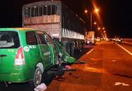 Taxi đâm ôtô tải đậu trên cầu Cần Thơ, 3 người chết