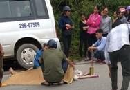 Xe máy chở 3 người đấu đầu với xe khách khiến cả 3 thương vong