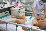 Người đàn ông sống sót thần kỳ sau 27 ngày điều trị vì bị cưa máy cắt ngang bụng kinh hoàng