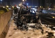 Hà Nội: Ô tô Mazda của thành viên ban nhạc Da LAB bốc cháy dữ dội trên vành đai 3