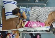Em bé chào đời trên tàu cứu trợ sau thảm họa kép ở Indonesia