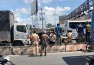 TP.HCM: Xe ô tô 7 chỗ bẹp dúm, 5 người trong xe la hét cầu cứu sau tai nạn liên hoàn