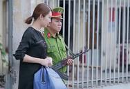 'Gạo nếp gạo tẻ': Vừa ra tù, Hân Hoa hậu đã lại làm 'mẹ thiên hạ', chê nhà bà Mai 'Nhỏ vậy sao ở được?'