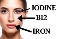 5 dấu hiệu trên khuôn mặt tiết lộ sự thiếu hụt các chất dinh dưỡng mà bạn chỉ cần nhìn vào gương là thấy