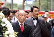 Bạn trai doanh nhân lịch lãm trong lễ ăn hỏi với Á hậu Thanh Tú