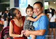 Kim Hiền trục trặc nhập cảnh khi cùng chồng con về nước
