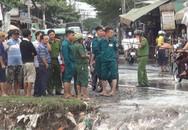 Nam thanh niên bị nước cuốn mất tích khi đang đi xe máy về nhà trong cơn bão số 9 ở Sài Gòn
