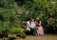 Ngôi nhà vườn và cuộc sống đẹp như một bài thơ của gia đình gồm cặp vợ chồng và hai con gái bị liệt não