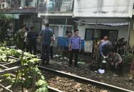 Chui qua hàng rào đường sắt, người đàn ông bị tàu hỏa tông chết