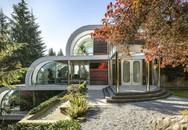 Căn nhà 300 tỷ nhìn như... dòng thác tuôn chảy