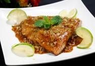 Tối nay ăn gì: Cá hồi áp chảo sốt bơ chanh