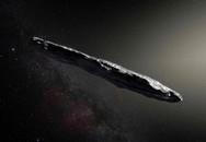 Vật thể giống tàu vũ trụ ngoài hành tinh vừa đi ngang Trái Đất?