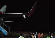 Máy bay Lion Air đâm cột, vỡ cánh trái