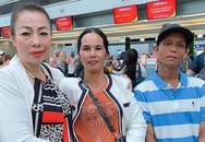 Lần đầu xuất ngoại, bố mẹ H'Hen Niê hồi hộp cổ vũ cho con gái đạt thành tích cao trong chung kết Miss Universe 2018