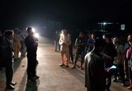 Thanh Hóa: Nghi xe chở hóa chất độc hại, người dân chặn không cho vào nhà máy