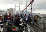 Để lại vợ và 3 con nhỏ, nam tài xế nhảy cầu Thuận Phước tự tử