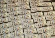 Nhặt được túi ở ga tàu Mỹ, sốc với số tiền mặt bên trong