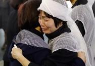 Vợ cố NSND Anh Tú nức nở khóc trong tang lễ của chồng