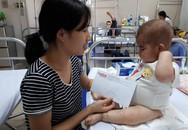 Rớt nước mắt trước hình ảnh bé gái bị phù cơ thể vì hội chứng thực bào máu