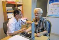 Những biến chứng nguy hiểm của bệnh viêm phổi ở người già và cách phòng tránh