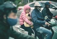 Người dân Hà Nội trùm áo ấm, co ro ra đường trong đợt rét mạnh nhất từ đầu mùa