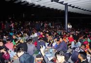 CĐV Malaysia cắm trại xuyên đêm mua vé lượt đi, CĐV Việt Nam lùng sục mua vé lượt về