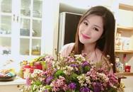 Không gian sống ngập hoa xuân đón Tết của sao Việt