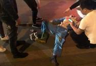 Hà Nội: Công nhân môi trường bị tông xe nguy kịch