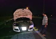 Xe Audi 2 cửa phát hỏa trên đường cao tốc