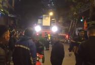 Cháy nhà hàng Bếp Mường ở Hà Nội, nhiều người mắc kẹt bên trong