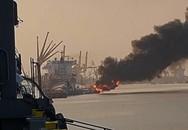 Hải Phòng: Hơn 400 người cứu cháy và lai kéo tàu dầu bốc cháy khỏi khu vực xảy ra sự cố