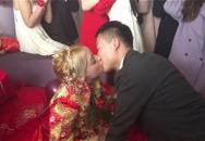 """Người đàn ông TQ lấy vợ Ukraine đẹp, """"rẻ"""" khiến dân mạng ghen tị"""