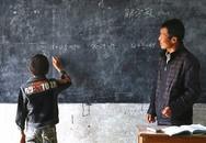 Trường chỉ có duy nhất một học sinh, ai đọc xong cũng rơi nước mắt về nghĩa cử cao đẹp của người thầy