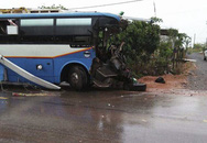 Xe khách tông xe tải, 3 người chết, nhiều người bị thương