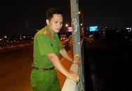 Thấy balo và đôi dép trên cầu, cảnh sát lặn tìm người cả đêm dưới sông