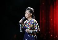 Khánh Ly 'chạnh lòng' với câu hỏi của MC trên sân khấu