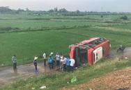 Hà Nội: Xe khách gặp nạn trên cao tốc Pháp Vân, nhiều người trọng thương