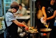 Quán ăn vỉa hè giá cao như nhà hàng hạng sang, mỗi ngày chỉ phục vụ đúng 50 khách