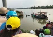 Thi thể thanh niên bị phân hủy nổi trên sông Sài Gòn